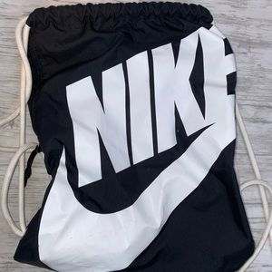Nike drawstring backpack. Good Condition.